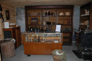 Hale Store Counter