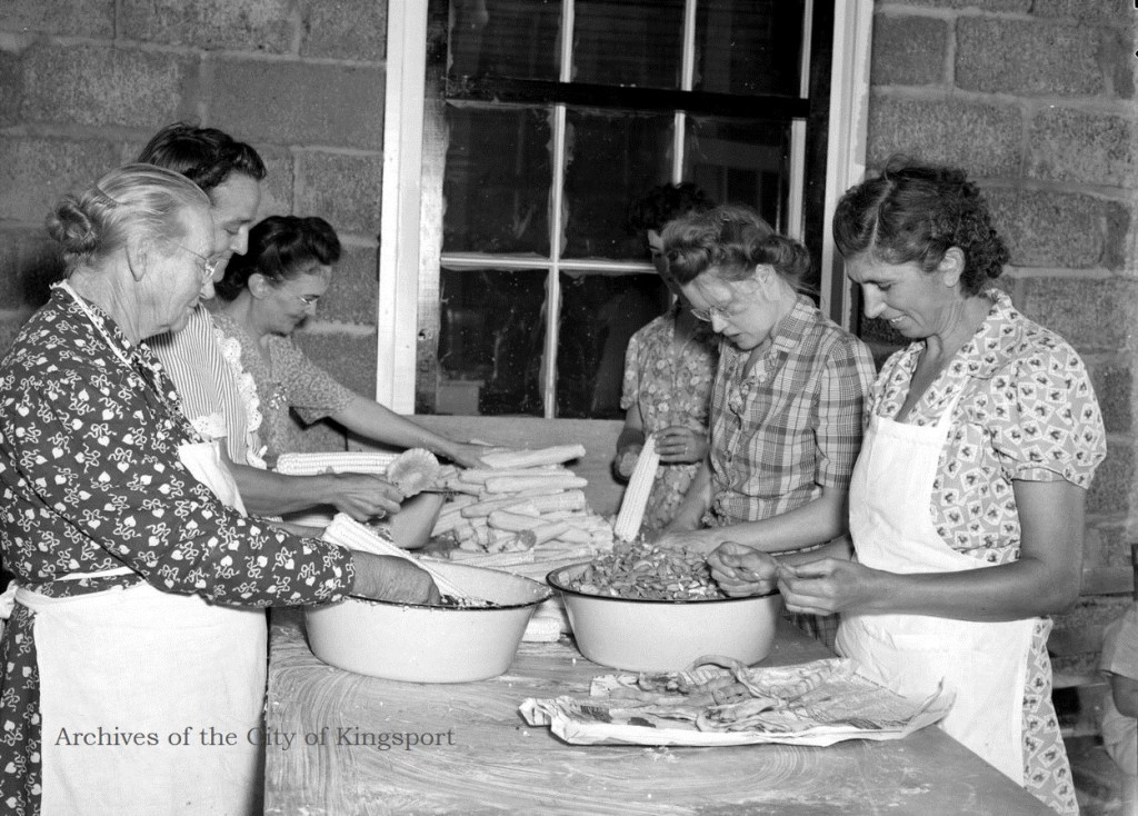 Women processing food at the Gate City Community Cannery, 1946. Thomas McNeer Jr. Collection, KCMC 106