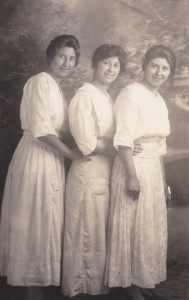 Eva, Alma, and Emelia Carrier, 1914.