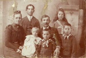 Back: Elizabeth, Francis, Brigham, and Nora. Front: Kenneth, Walter, and Leonard