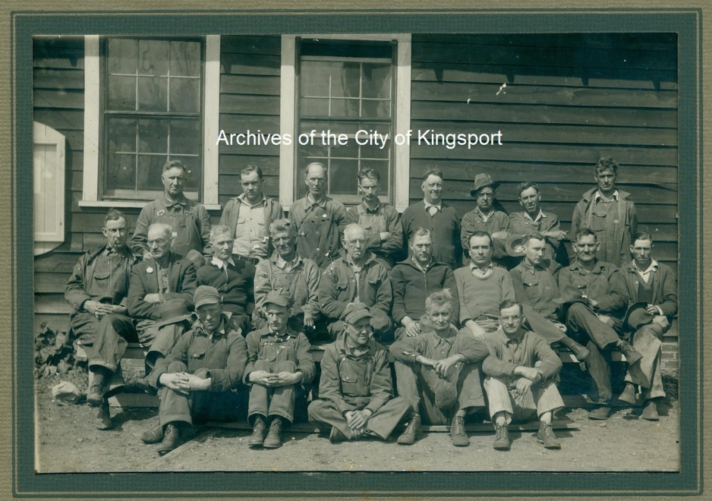 Saw mill crew of 1937.